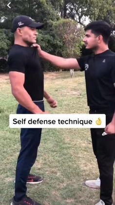 Self Defense Moves, Self Defense Martial Arts, Self Defense Techniques, Martial Arts Workout, Martial Arts Training, Teen Life Hacks, Useful Life Hacks, Survival Life Hacks, Survival Skills