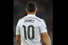 James Rodríguez debutó con gol en el Santiago Bernabéu. El mediocampista colombiano, que ingresó por Cristiano Ronaldo en el segundo tiempo de la Supercopa de España, abrió el marcador en el empate 1-1 del Real Madrid contra el Atlético de Madrid.