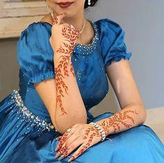 Most Awful Henna Designs For Women - Sensod - Create. Peacock Mehndi Designs, Khafif Mehndi Design, Indian Henna Designs, Simple Arabic Mehndi Designs, Henna Art Designs, Stylish Mehndi Designs, Dulhan Mehndi Designs, Mehndi Design Photos, Beautiful Mehndi Design