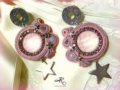 Orecchini soutache in un romantico stile Shabby Chic in rosa...leggeri...da indossare in qualsiasi occasione...per le donne che amano sognare...
