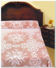 Crochet Knitting Handicraft: Bedspread Filet Crochet