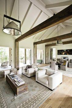 Best Farmhouse Living Room Makeover Decor Ideas - Page 14 of 54 - Farida Decor Charleston Homes, Loft, Interior Barn Doors, Modern Room, Renting A House, Great Rooms, Living Spaces, Living Rooms, Barn Living
