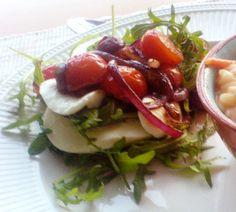 Recept Rucola met cherrytomaatjes en rode ui – Salades & zo