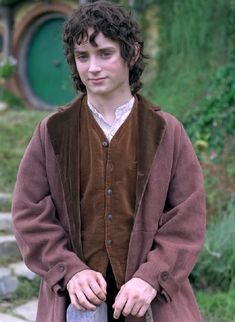 "Elijah Wood as Frodo Baggins in Peter Jackson's film trilogy ""The Lord of the Rings. Frodo Bolsón, Frodo Baggins, Aragorn, Gandalf, Legolas, Lord Of Rings, Fellowship Of The Ring, Elijah Wood, Lotr"