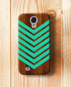 I love this case because it reminds me of an arrow:)