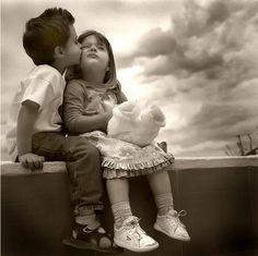 Little munchkins in love...