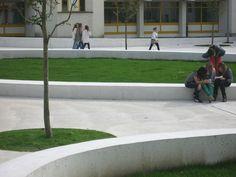 Stifter + Bachmann /// Sistemazione aree scolastiche a Brunico (BZ), Italia