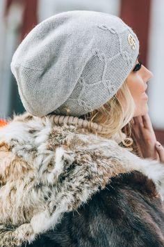 Шапка зимняя. Шапки, береты: Molegi - артикул: 4033841. Knit Beanie, Beanie Hats, Knit Crochet, Crochet Hats, Scarf Hairstyles, Knitted Hats, Knitting Patterns, Winter Hats, Sewing