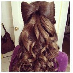Bow half up half down hairstyle on brunette ♥ Pinterest : Elisa Gyn