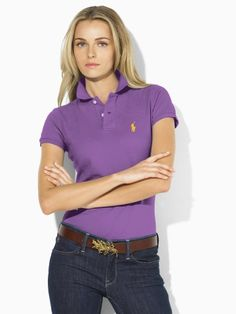 Polo Ralph Lauren for women, beautiful color! Polo Shirt Outfits, Polo Shirt Women, T Shirts For Women, Clothes For Women, Green Polo Shirts, Polo T Shirts, Preppy Dresses, Preppy Outfits, Polo Shirt Design
