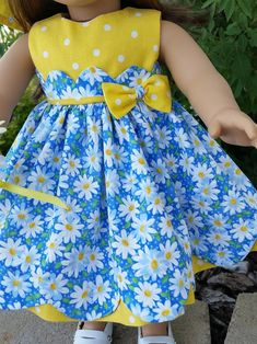 Daisies and Dots a darling dress for 18 inch dolls such as American Girl and others Baby Girl Frocks, Frocks For Girls, Little Girl Dresses, Baby Girl Dress Design, Girls Frock Design, Baby Girl Dress Patterns, Baby Clothes Patterns, Skirt Patterns, Coat Patterns