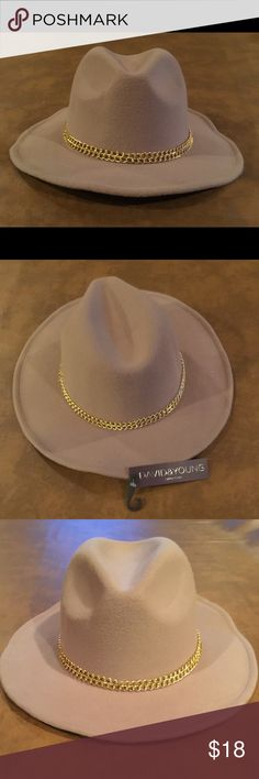 David and Young Double Chain Panama Hat, NWT Taupe colored hat, structured brim with wire in edge of brim to help manipulate to your style/fit. Pic shown in black is just for style / fit purposes. David & Young Accessories Hats