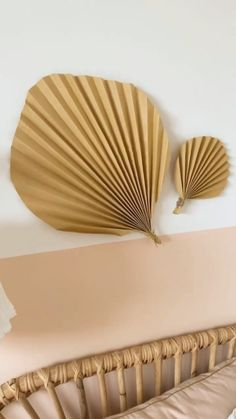 Paper Wall Decor, Paper Party Decorations, Diy Wall Decor, Diy Crafts For Home Decor, Diy Crafts Hacks, Diy Crafts For Gifts, Paper Flowers Diy, Diy Paper, Paper Crafts