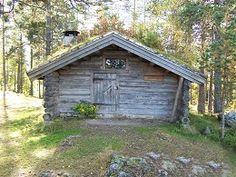 Tømmerkoie fra Østerdalen, 1800-tallet  Lite hus der tømmerhoggerne bodde under hogsten. Laftet tømmer, tekket med never og torv.
