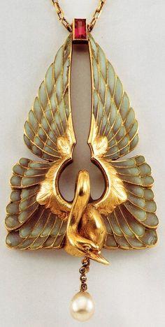 Art Nouveau jewellery by Belgian jeweler Philippe Wolfers