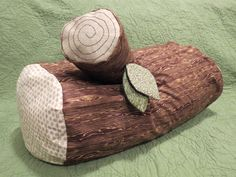 Stump pillow. I want to make this for camping.