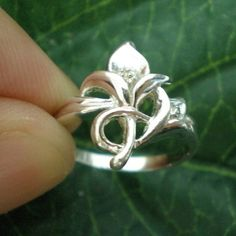 Lily Flower Fleur De Lis Silver Ring Size US 3  13 by yhtanaff, $25.00
