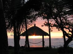 Kailua-Kona Vacation Rentals - BEST OCEANFRONT VACATION RENTAL  HAWAII FREE NIGHT from $90 /night; Visit our website for more info: https://roomlender.com/