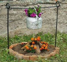 these are the BEST DIY Garden & Yard ideas!these are the BEST DIY Garden & Yard ideas! Unique Gardens, Rustic Gardens, Amazing Gardens, Outdoor Gardens, Small Gardens, Garden Yard Ideas, Garden Crafts, Garden Junk, Garden Beds