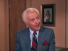 Bewitched, Season 7, Episode 20 This Little Piggie (25 Feb. 1971) ,  Larry Tate, David White