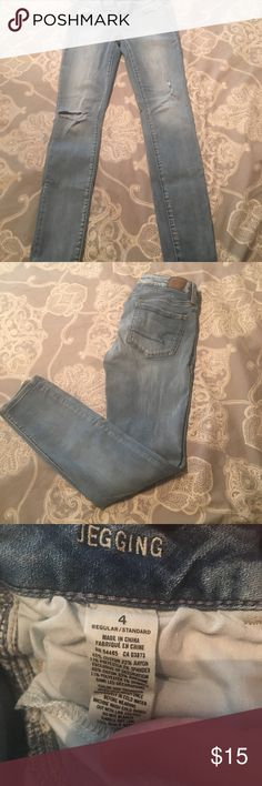 American eagle distressed jegging size 4 American eagle distressed jegging size 4 American Eagle Outfitters Jeans Skinny