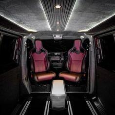 The Manuello's VW Caravelle Conversion - New Wave Custom Conversions General Motors, Land Rover Defender, Vw Transporter Sportline, Vw T5 Caravelle, Vw T5 Interior, Vw Transporter Camper, Caddy Van, Transit Custom, Ford