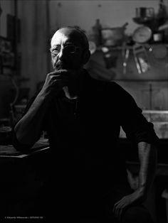 """Primer retrato del artistaRafa Pérezpara la exposición """"Agujeros"""", que se puede visitar actualmente en ESTUDIO22.  Haro, Septiembre 2016     Octubre, Noviembre y Diciembre 2016.              Rafa Pé"""