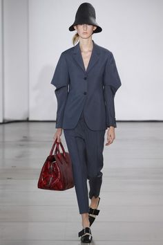 See the complete Jil Sander Spring 2016 Ready-to-Wear collection.