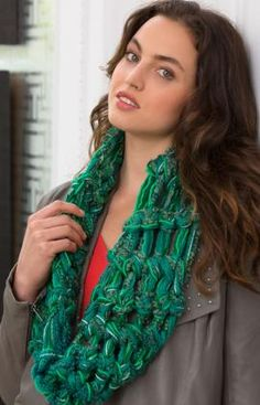 Finger Crochet Cowl Free Pattern from Red Heart Yarns
