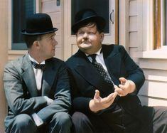 Rare color celebrity photos from the 1930s to the 1950s - Stan Laurel and Oliver Hardy
