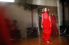 See atmosphere photos from the Valentino Fall 2017 Ready-to-Wear fashion show.