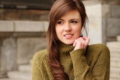 Winter outfit | winter look | Fashion | Mode | Fashionblogger | oversize sweater | sweater | turtleneck | black | green | olive green | outfit | look | style | streetstyle | JustMyself | pullover | rollkragen | stehkragen | grün | khaki | olivgrün | girl | hair | brunette