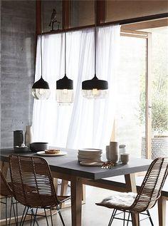 Hängeleuchte in schwarz von Hübsch INTERIOR. Wir bieten Ihnen 3 verschiedene Formen der Leuchte an. Jetzt Bestellen!
