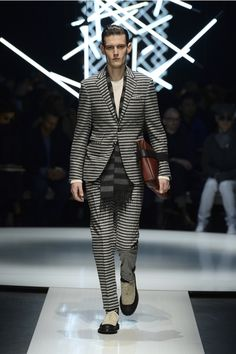 Wool bouclé #suit with wool and silk T-shirt, striped angora scarf, textured calfskin document holder #CanaliFW15 #FW15 #mfw #moda #menswear #mensfashion