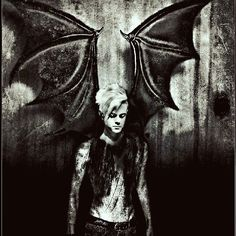 #art #TommyJoeRatliff #devil #dark #wings #демон