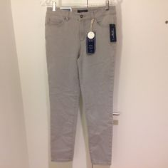 Grey jeans Skinny ankle cut. Modern fit: Sits just below the waist and slim fit through hips and legs, with super stretch fabric for comfort and fit. Jeans