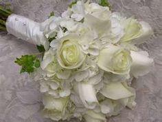 Hydrangeas, roses, bridal bouquet?