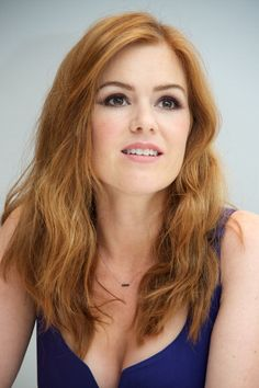 57 Trendy and Attractive Celebrity Layered Haircuts Ideas - Aksahin Jewelry Isla Fisher, Great Hairstyles, Elegant Hairstyles, Celebrity Hairstyles, Prom Hairstyles, Updo Hairstyle, Blake Lovely, Red Hair Woman, Layered Haircuts