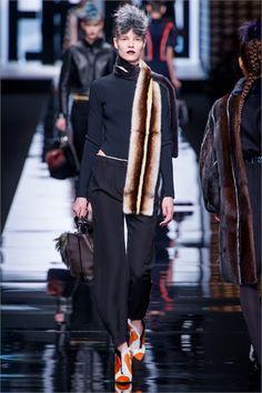 Sfilata Fendi Milano - Collezioni Autunno Inverno 2013-14 - Vogue