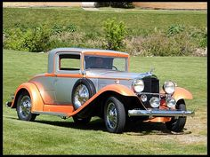 1932 Packard 902 Coupe - (Packard Motor Car Company Detroit, Michigan 1899-1958)