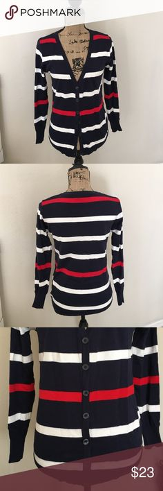 FLASH SALE👉NWT👈 Long Sleeve Patriotic Cardigan 👉NWT👈 Cute red, white, and blue cardigan is perfect item for being patriotic or rooting for the New England Patriots😄. ... Or if you just need a little something on your arms. Can be dressed up or down! Size M. Would like to get as much of purchase price since never worn, but will take reasonable offers. Sweaters Cardigans