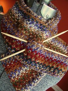 Slip stitch + yarn leftovers = Missoni look-a-like cowl. Free pattern with suggested yardage if using sock, worsted or chunky leftovers.
