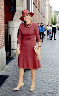 2 October 2019 - Queen Maxima attends ScienceMakers Awards ceremony at the Railway Museum in Utrecht Dutch Royalty, Copenhagen Fashion Week, Queen Maxima, Princess Style, Royal Fashion, Winter Dresses, Winter Wardrobe, Work Fashion, My Style