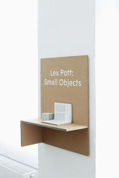 Good shelf design. Cardboard! |andren: (via Okolo web)