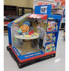 Fisher-Price Pallet Display Lets Kids Pretend Pallet Display, Pos Display, Display Design, Product Display, Cool Retail, Point Of Purchase, Pop Design, Diy Recycle, Woodworking Projects Diy