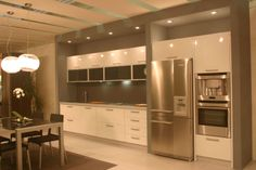 Cucina Laccata lucida bianca,Glossy white Lacquered Kitchen