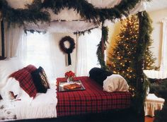 Christmas tree in the bedroom?! Yes Please!