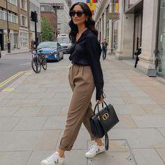 Hannah | COCOBEAUTEA (@cocobeautea) • Photos et vidéos Instagram Boyish Style, Comme Des Garcons, Suits, Photos, Instagram, Fashion, Moda, Pictures, Fashion Styles