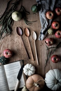 wooden stirring spoons | kitchen tools