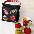 """Lunch box... - Des étoiles et des pois... avec appliqués en tissus réalisés avec le pochoir """"Bonbon & Cupcake"""" - Made for You"""